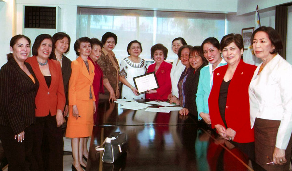 status of women in the philippines Women have always enjoyed greater equality in philippine society than was common in other parts of southeast asia since pre-spanish times, filipinos have .