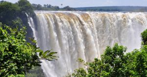 victoria-falls-backpackers-slider-01